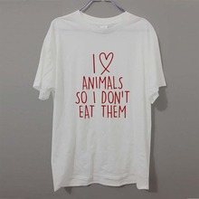 """I love animals so I don't eat them"" t-shirt / 9 Colors"