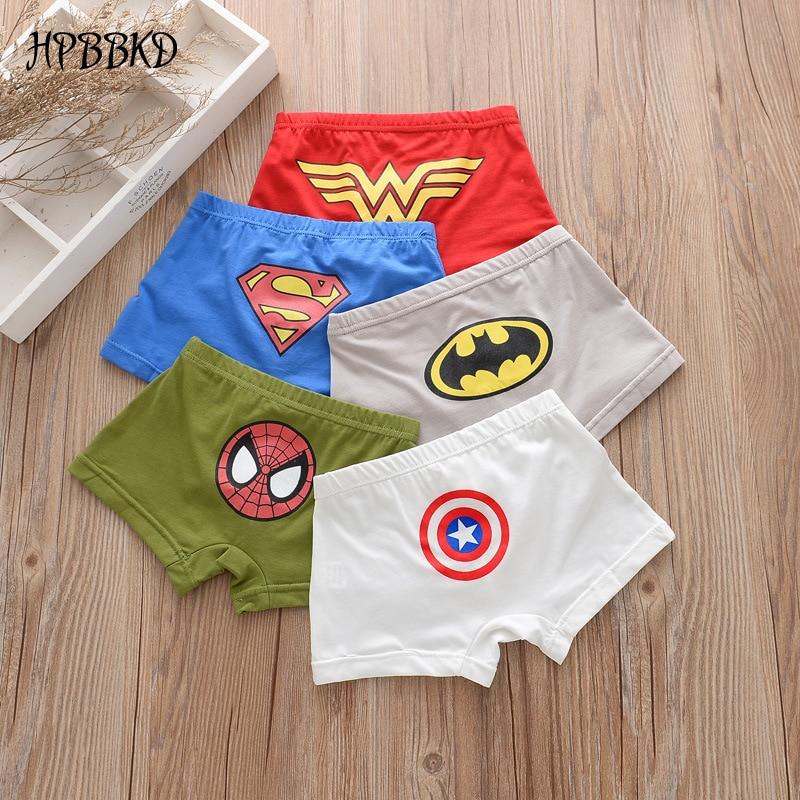 Baby Boy 2 Pack Blanc Et Rouge Pyjamas avec super petit héros Détail