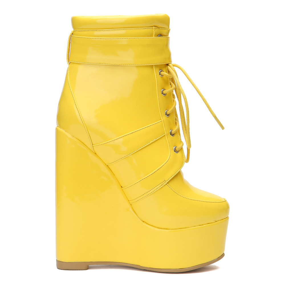 Sexy yellow shoes