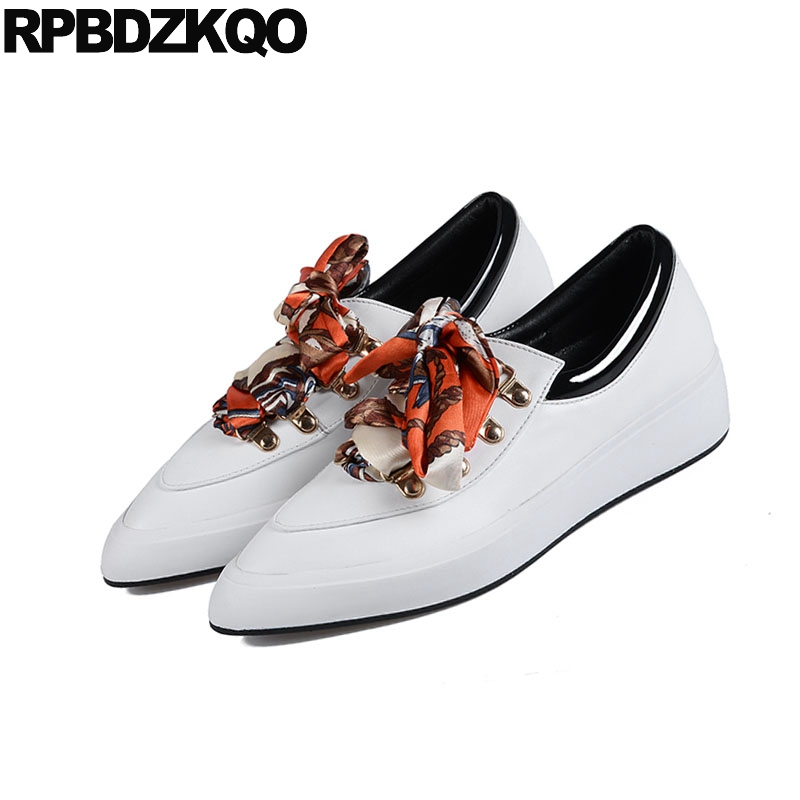 Appartements Pointu Chine Chaussures Formateurs Blanc Bout Sneakers Or Designer Mode Chinois Dentelle blanc Or 5 Casual Femmes 2018 Soie Dames Up qP5xZz