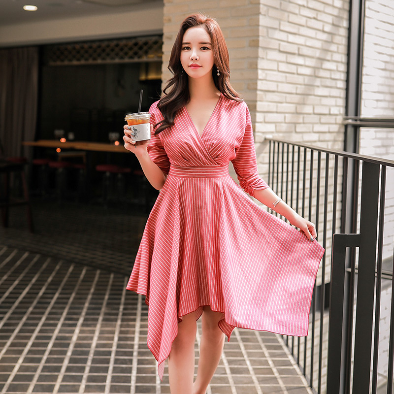 Dabuwawa Spring Woman Striped Dress New V Neck Batwing Sleeve Midi Dress Red Asymmetrical Draped Casual