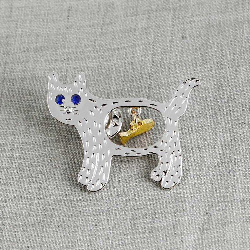 Holllow Kucing Pin Kucing Ikan Bros Goyang Ikan Kucing Lencana Tombol Emas Warna Perak Mata Biru Bros Jaket Pin Hadiah untuk Putri