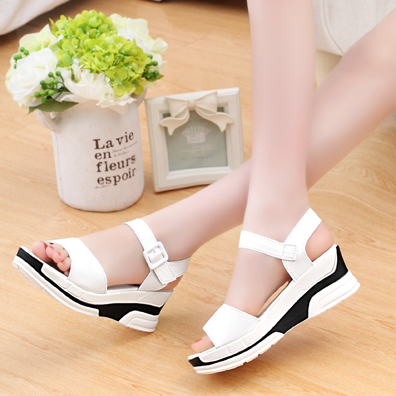 HTB1AJEzLpYqK1RjSZLeq6zXppXai 2019 Summer shoes woman Platform Sandals Women Soft Leather Casual Open Toe Gladiator wedges Trifle Mujer Women Shoes Flats