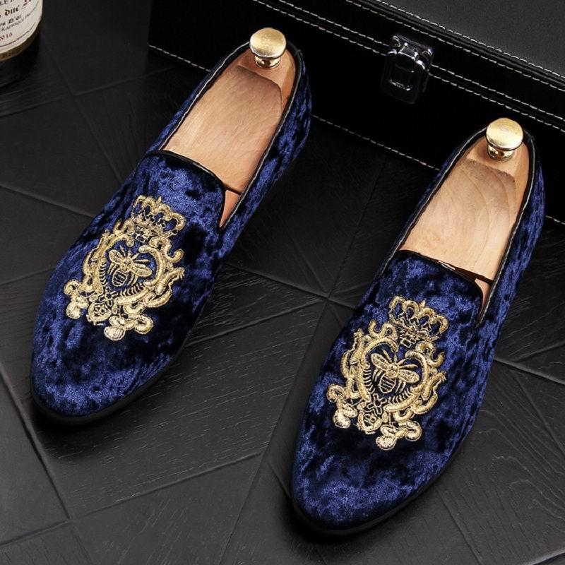 ERRFC 2018 جديد الأزياء إلى الأمام الرجال الأزرق أحذية لوفر مصمم قطيع Emboridered الإمالة حذاء خفيف للرجل الأسود Zapatos-في أحذية رجالية غير رسمية من أحذية على  مجموعة 1