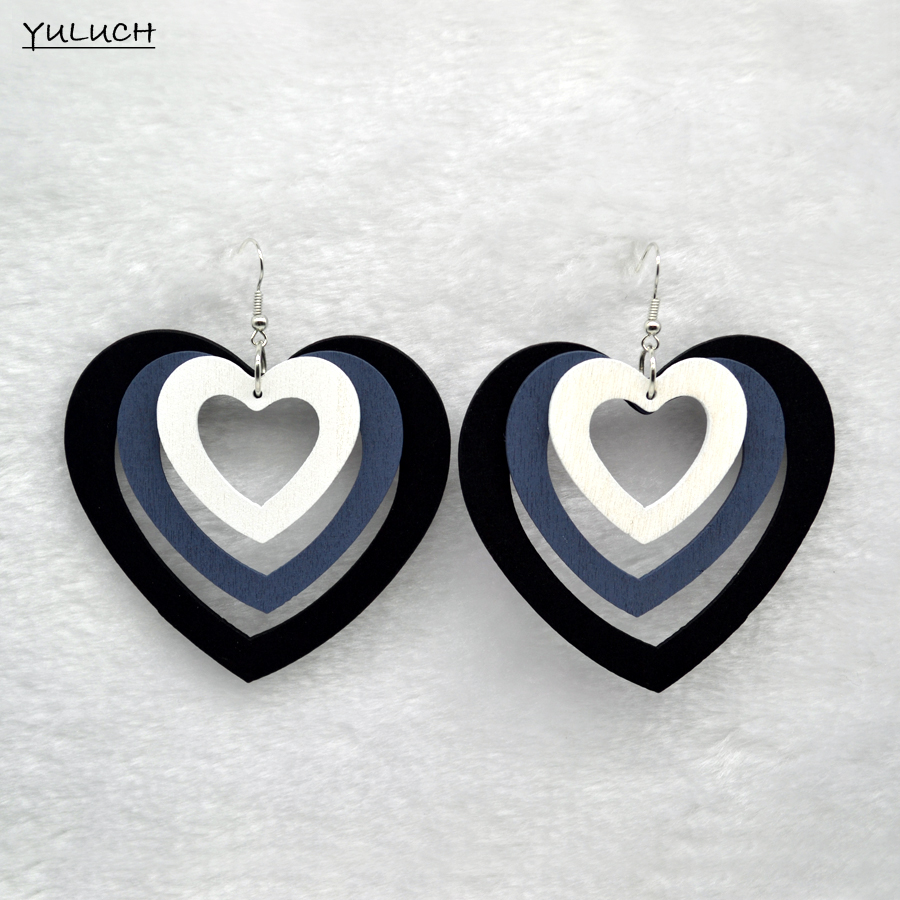 Hot Latest Charm Heart Shape Wood Earrings Accessories  Customized Carton Statement Jewelry For Woman 2016 Design New