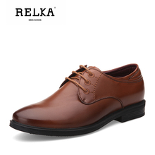 Купить с кэшбэком RELKA Luxury Men Vintage Shoes High Quality Genuine Leather Round Toe Soft Square Heel Shoes Solid Classic Lace-up Men Shoes N7