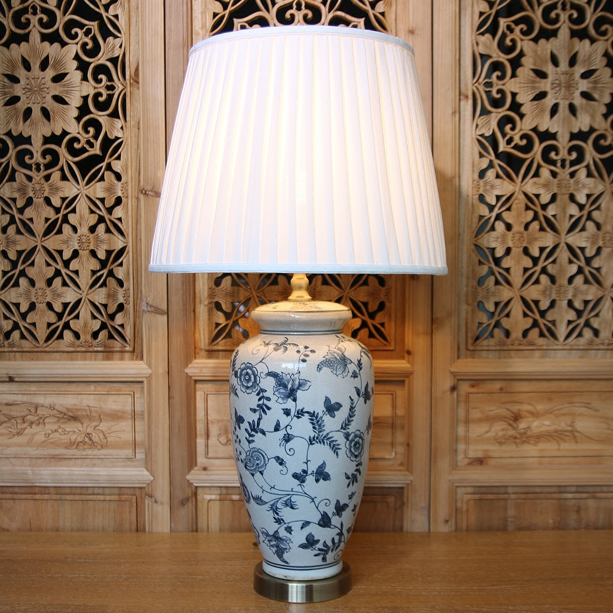 Antique Ice Crack Chinese Blue And White Porcelain Led E27