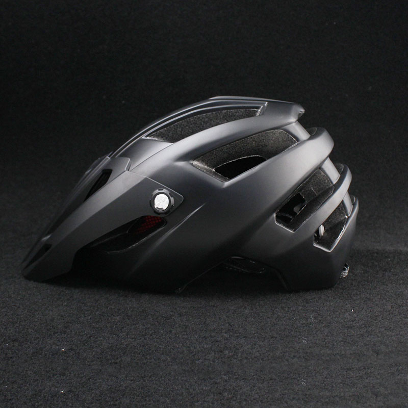 Haute Qualité Vtt Casques de Vélo 2018 Nouveau Ultra Léger Bouchon de Sécurité De Vélo Moulée Intégralement Casques De Vélo Casco Ciclismo dans Casque de vélo de Sports et loisirs