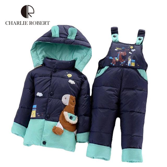 Los niños Calientes del Invierno Chaqueta de la Ropa Del Bebé Niñas Pato Cabritos de la Capa abrigo de Invierno Con Capucha Parkas Con el Traje de Pantalones