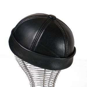 Image 5 - עור אמיתי רטרו כובע מזדמן כובע בעל בית כבש כובע דק עגול זכר כובעי אופנה חורף ובסתיו יוקרה כובעים