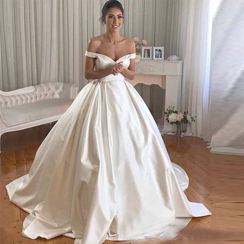 Simple Cheap Wedding Dresses Off The Shoulder A-Line Bride Dress With Court Train Wedding Gowns Buttons Back Vestido De Noiva