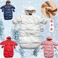 Abrigo de invierno de down mameluco del bebé mameluco del bebé recién nacido engrosamiento con una capucha mono sostiene saco de dormir doble