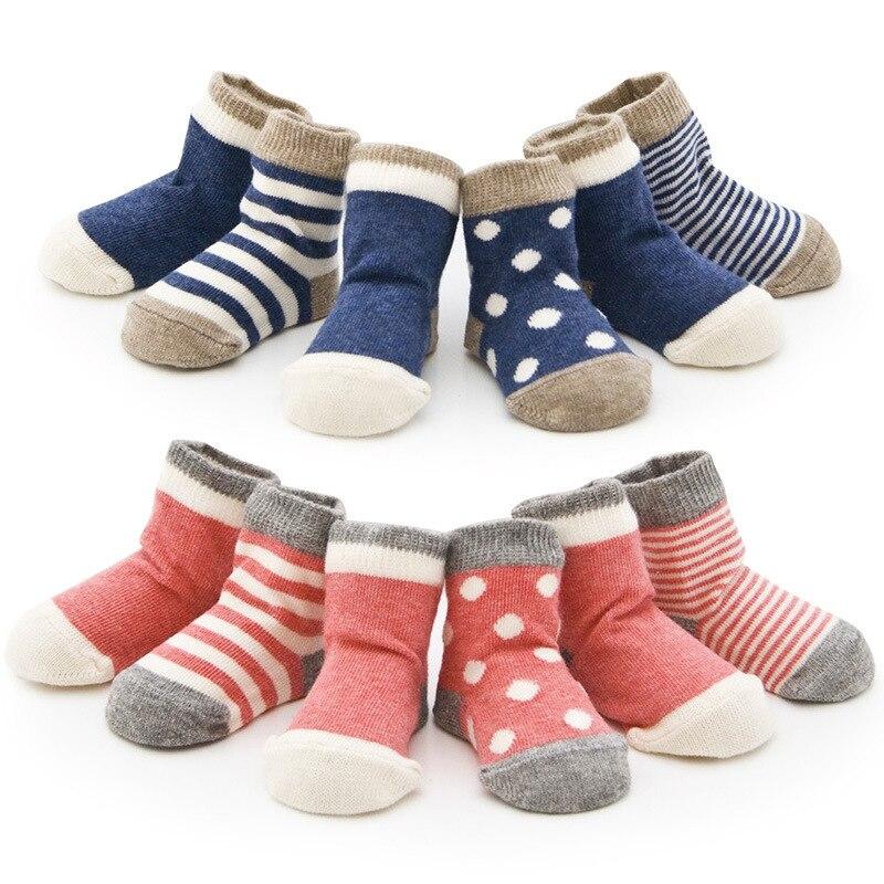Dětské ponožky (8 ks / hodně = 4pair) 85% bavlněné novorozené podkolenky Jaro / podzim 0-2roční Anti Slip Baby Boy Dívčí ponožky Kojenecké oblečení