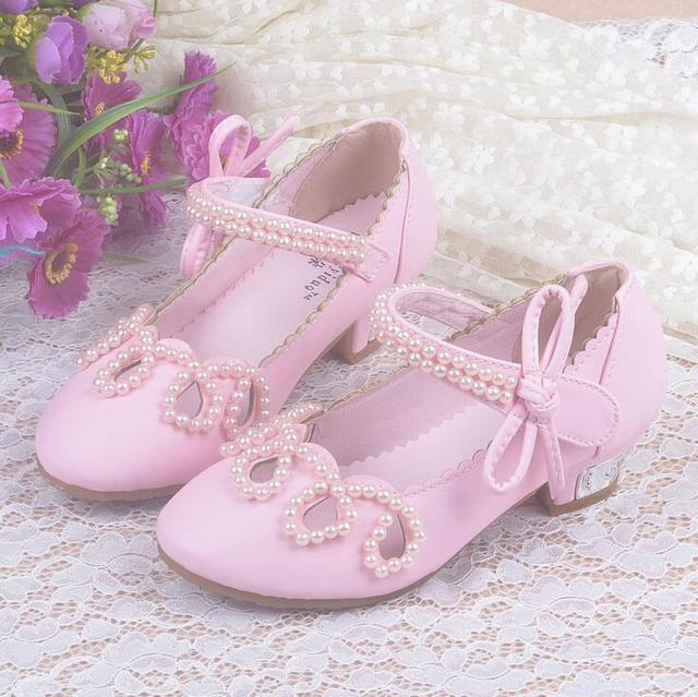 Chicas Zapatos de Tacón Otoño Bowtie Sandalias 2016 Nuevos Zapatos de Los Niños zapatos de Tacón Alto de La Princesa Arco Dulces Sandalias Zapatos de Cuentas Para Las Niñas