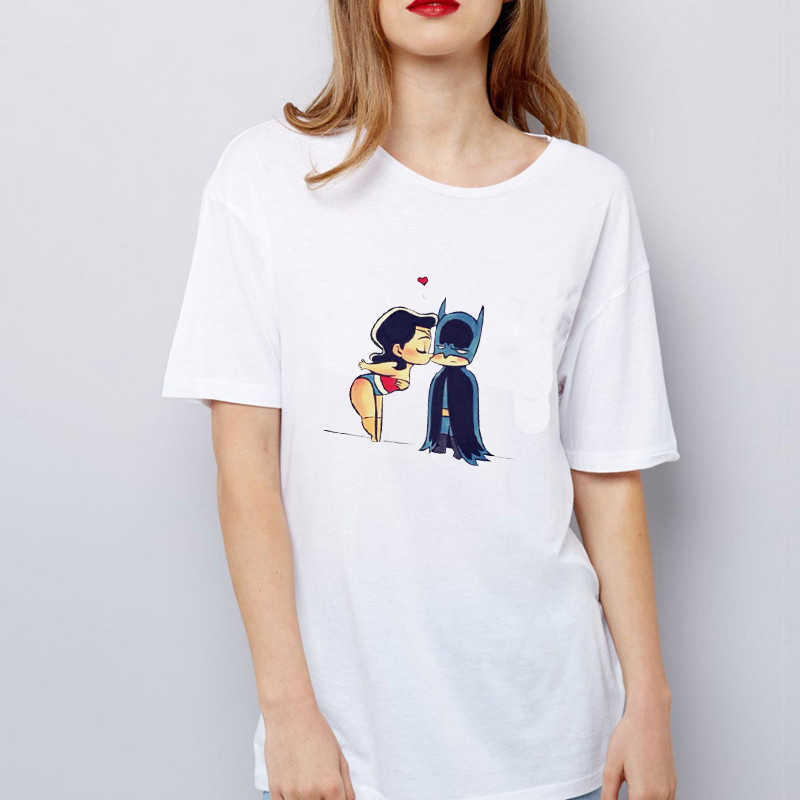 Batman i Catwoman pocałunek T koszula śmieszne kobiety Kawaii Superhero Tshirt Homme 2019 lato luźna wokół szyi Tee topy Streetwear Tees