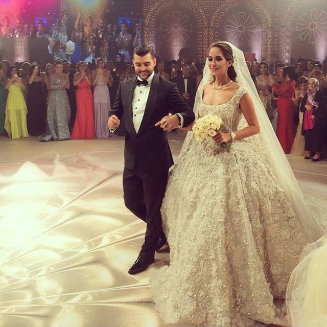 Saudi Arabia Ball Gown Princess Wedding Dress 2016 Robe De Mariage Sparkle Beading Liques Vintage