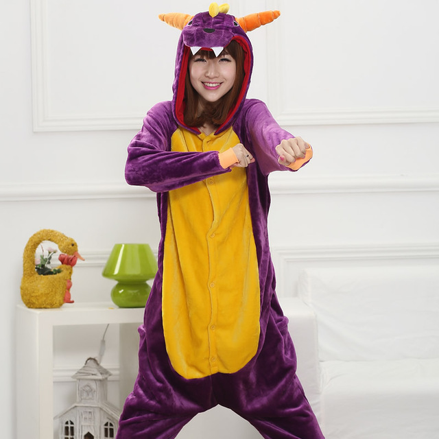 2017 Lindo de la Historieta animales dragón Púrpura Otoño e Invierno Pijamas De Franela para Mujer adultos de manga Larga pijama cosplay Unisex
