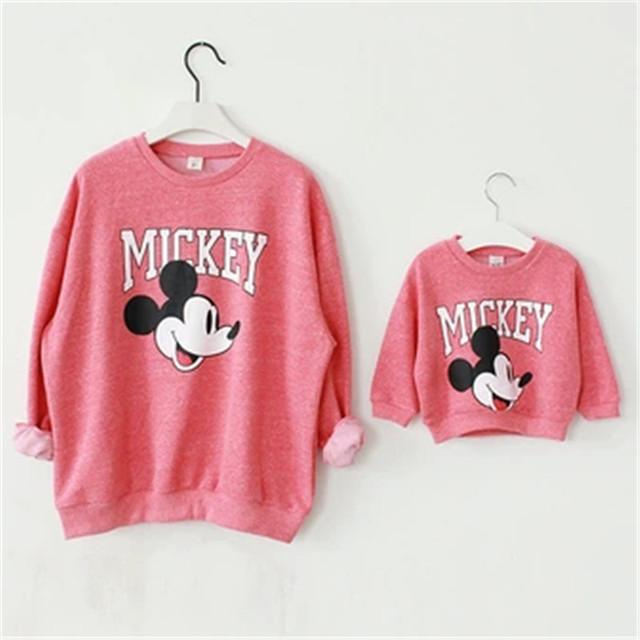 Trajes A Juego de la familia Conjunto Madre e Hija de Ropa de Bebé y Mamá Camisa Suéteres de Navidad de Mickey Minnie Mouse Sudaderas Con Capucha Vestido