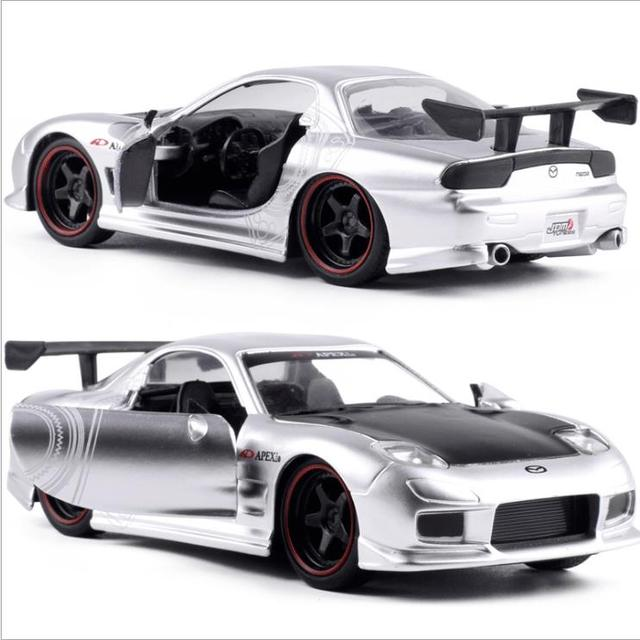 JADA High Simulation Model Car,1:32 Scale High Quality Mazda Sports Car,