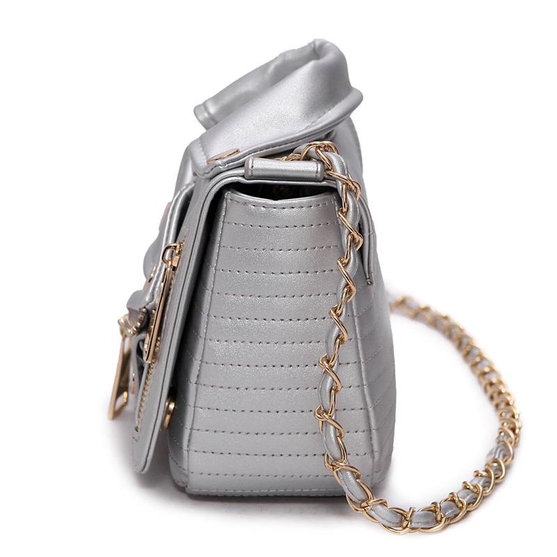 New-European-Brand-Designer-Chain-Motorcycle-Bags-Women-Clothing-Shoulder-Rivet-Jacket-Bags-Messenger-Bag-Women (2)
