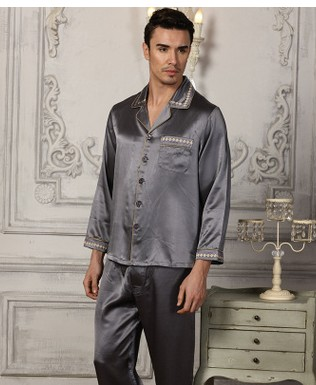 The New Style Men's Silk Pajama Suits Are 100% Mulberry Silk And Pure Color