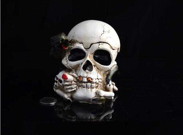 Free shipping Creative personality Vintage style resin crafts Skeleton Skeleton ashtray  #H0132