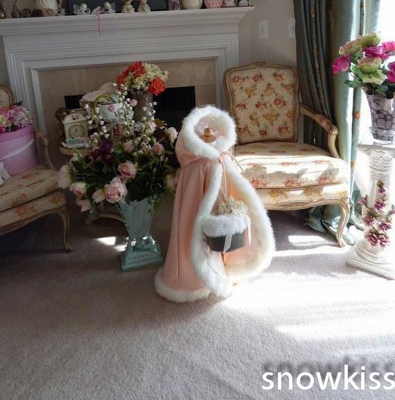 цена на Hooded Long Pink Girls Cape Ivory/White Wedding Cloaks Faux Fur  Jacket For Winter Kid Flower Girl Children Outerwear & Coats