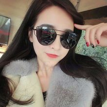 Hot Classic Cat Eye Sunglasses Women Vintage Fashion Rose Gold Mirror Sun Glasses Unique Flat Ladies Sunglasses Oculos UV400