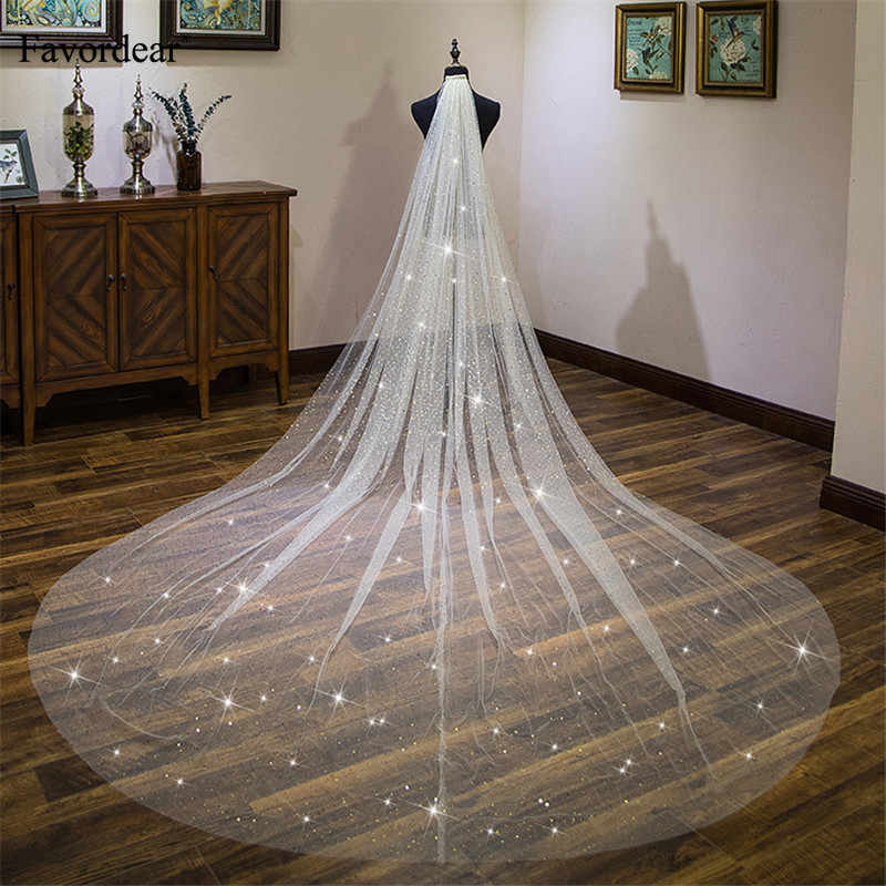 Favordear Champagne 4m Long Cathedral Wedding Veil Velos De Novia 2019 1 Tier Cut-edge Bridal Veil with Comb Wedding Accessories