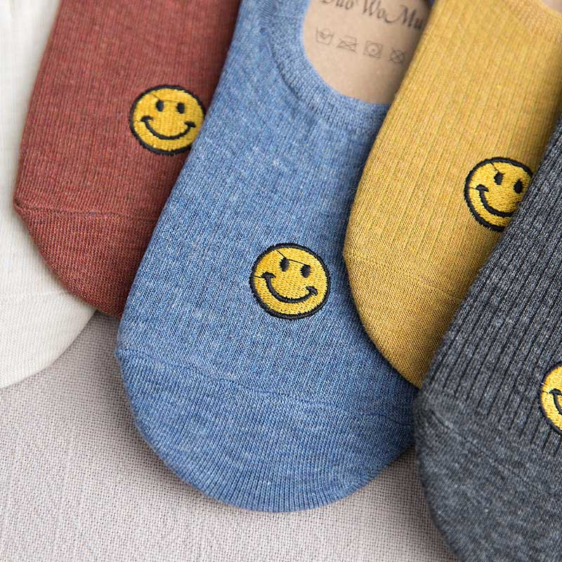 Minimalist Solid Color Embroidery Smiley Face Short Sock Shallow Mouth Breathable Comfortable Cotton Women Short Sock Hosiery