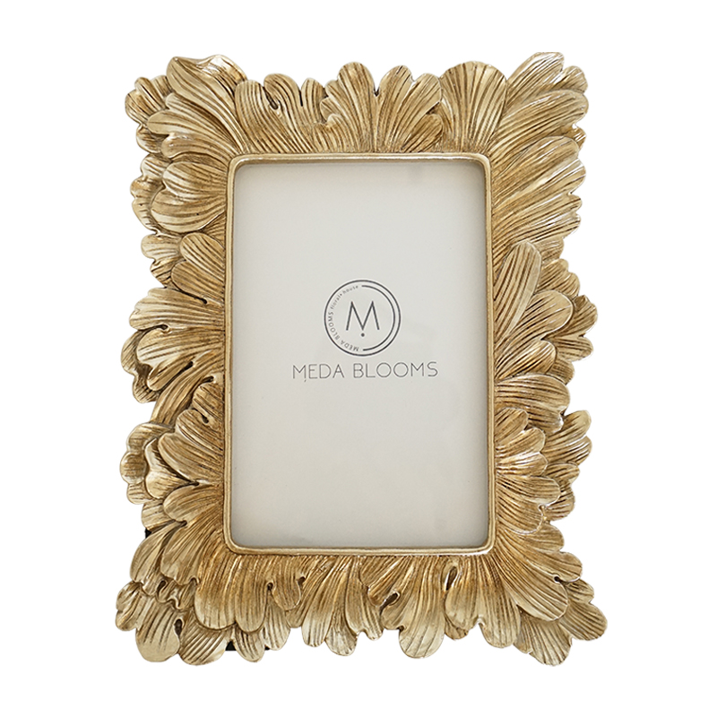 Hot Selling Newest Simple Bedroom Photo Frame Set Up Table Decoration Creative Wedding Photo Wall Hanging Morden Photo FrameHot Selling Newest Simple Bedroom Photo Frame Set Up Table Decoration Creative Wedding Photo Wall Hanging Morden Photo Frame