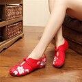 2017 Mujeres de La Manera Zapatos Viejos Beijing Pisos Mary Jane Con Zapatos casuales Zapatos de Mujer de Estilo Chino Bordado de Tela Más El Tamaño 41