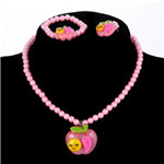 Shopping for Cheap and Elegant Beaded Jewelry Set for kids at Online Jewellery Store has never been the most easy task before KidzStore Landed. Have a look!