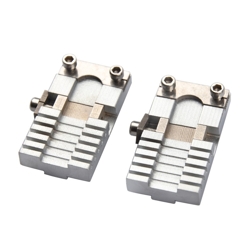 Купить с кэшбэком Universal Car Keys Clamp Fixture Folder Clip For All Key Cutting Copy Duplicating Machine Parts Locksmith Tools 2 pieces/lot