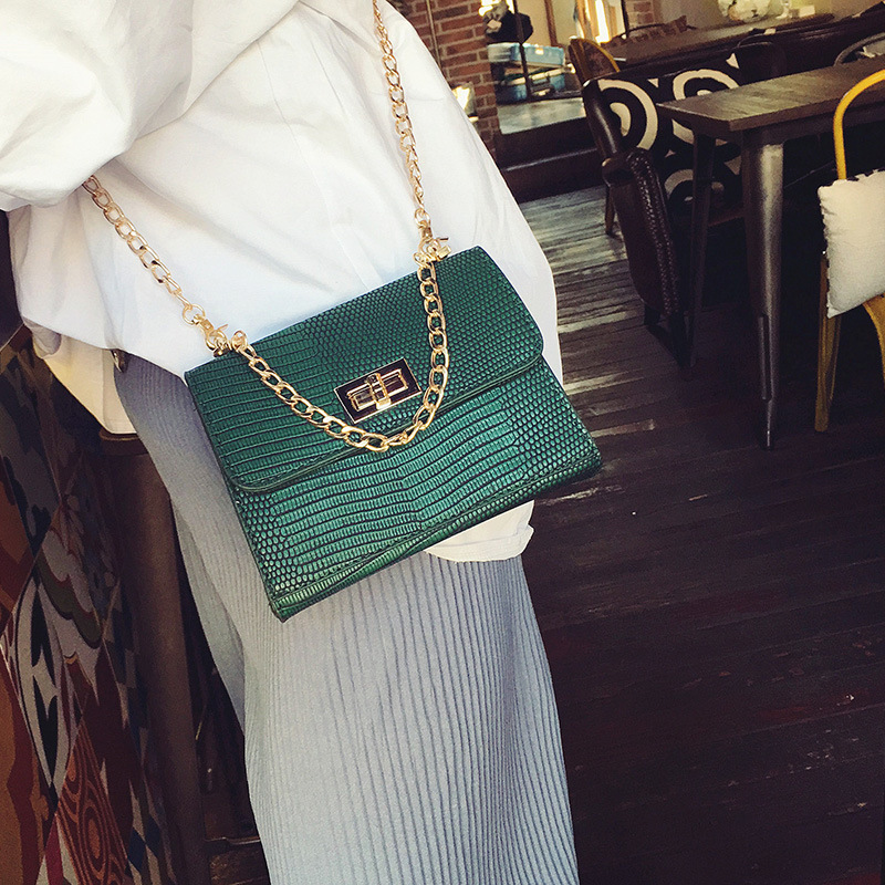 ФОТО Women Bags 2017 New Female Package Mini Chain Messenger Small Square Bag Korean Version Of Simple Shoulder Packet Wild Handbags