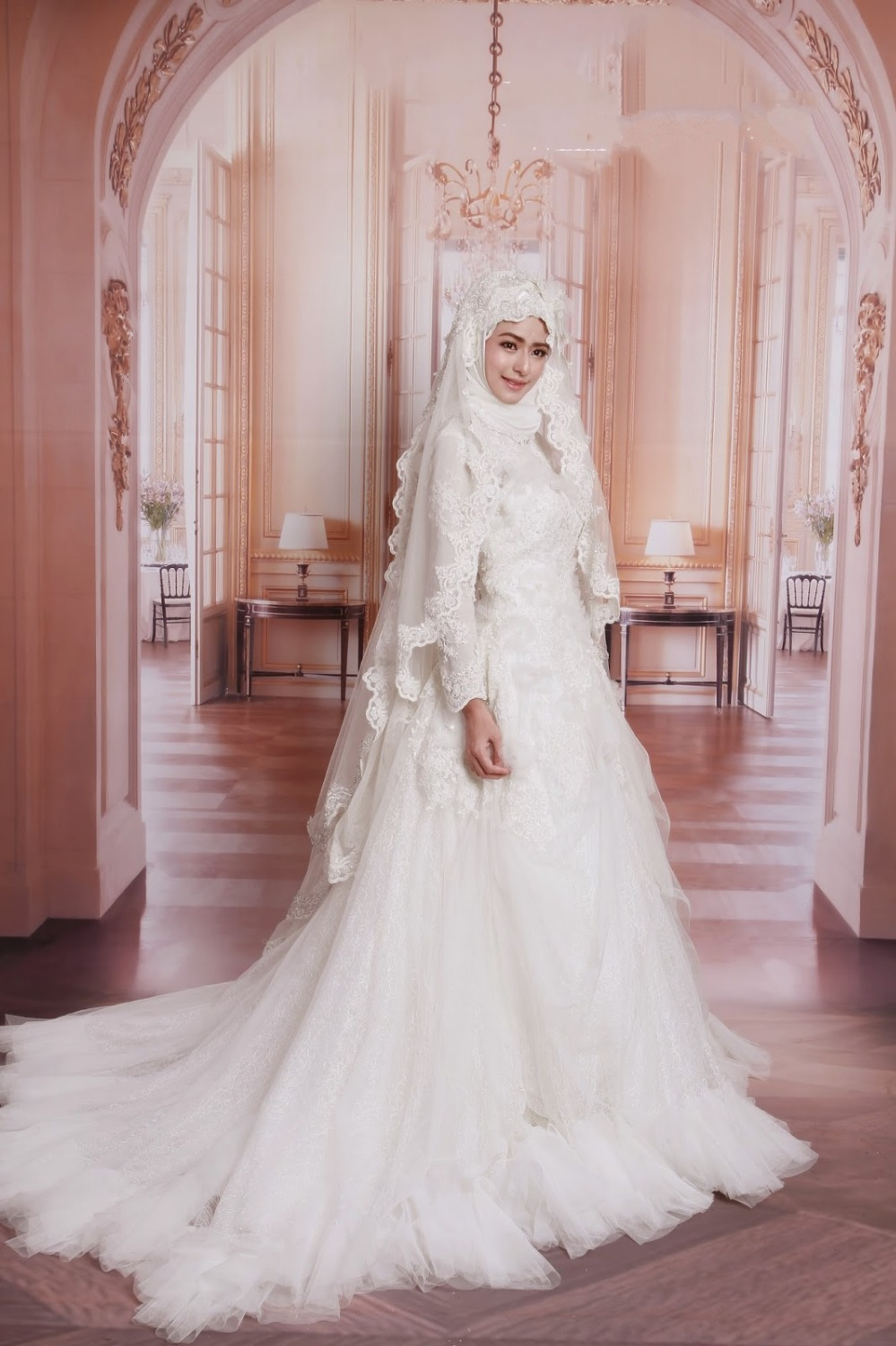 Top Quality High Neck Arabic Hijab Muslim Wedding Dresses With Long Sleeve New Appliques Lace White