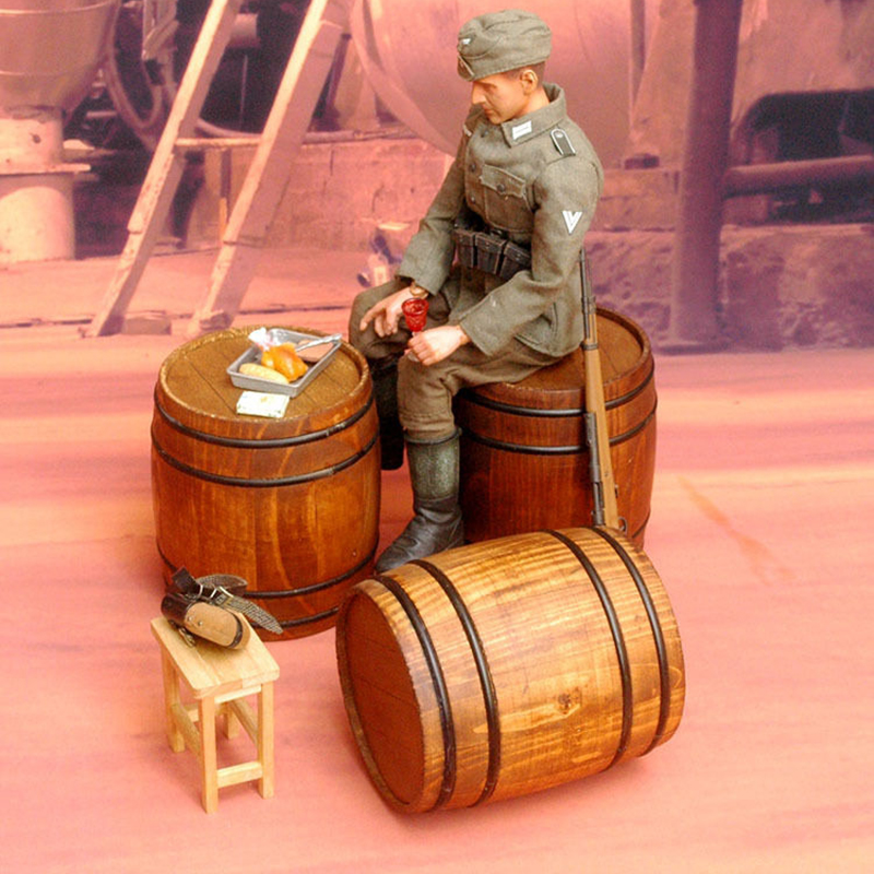 3PCS Set War II German Military INTERNATIONAL Solid Wood Barrel Cask Scene Accessories Model 1 6