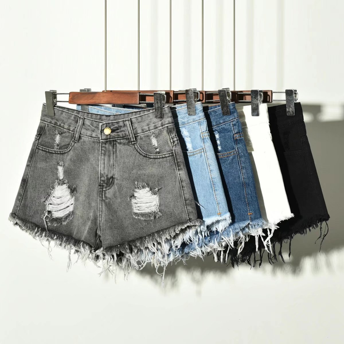Women Jeans Shorts Moustache Effect Streetwear Pockets Plus Size Clothing 2019 Summer Girls Button Fly Mom Love Sexy Black