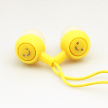MOONBIFFY Smiling Face Earphone  3.5MM In-Ear Noise Cancelling Headset for Mobile Phone MP3 Music Player for PC