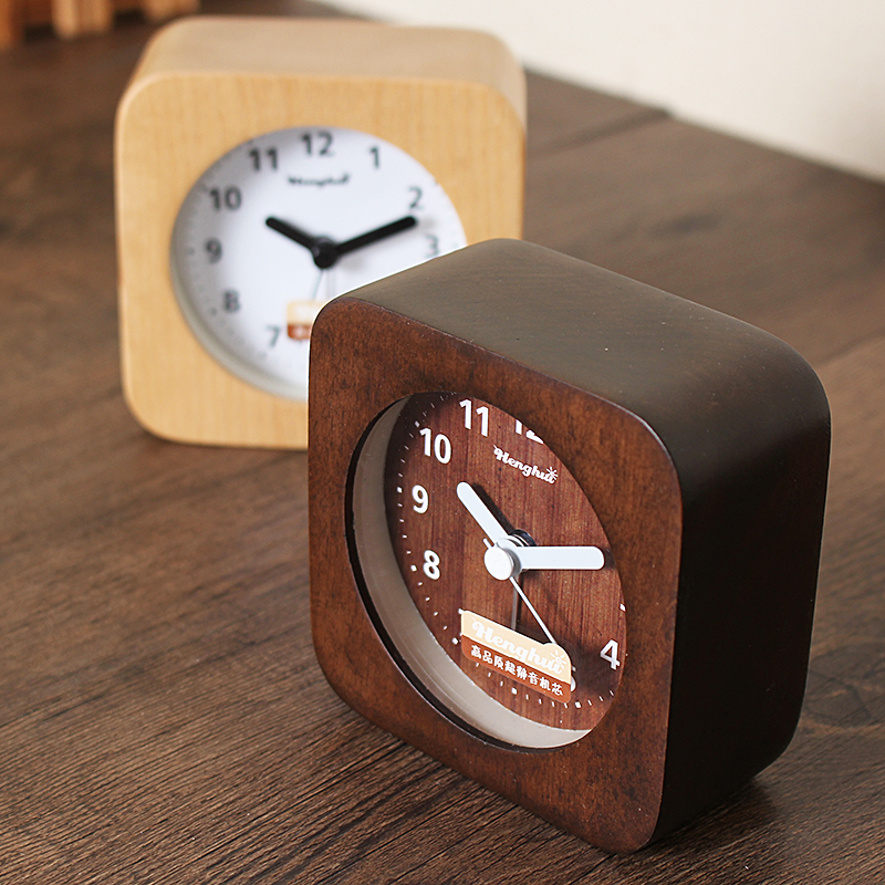 Simple wood Creative bedside clock Fashion Korean mute small alarm Children's wooden alarm clock Luminous bedroom clock