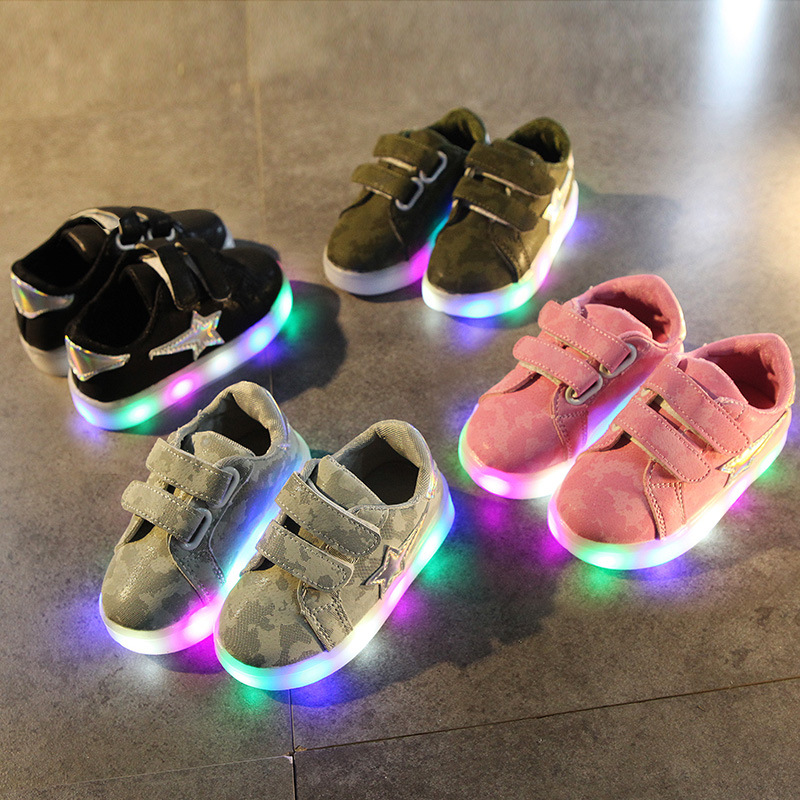 New 2018 European cool camouflage LED lighting baby shoes casual glowing sneakers boys shoes girls high quality baby sneakers