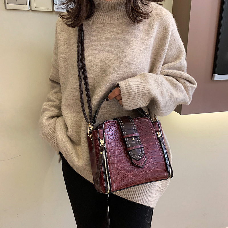 Image 2 - Crocodile Bucket Bag For Women 2019 Fashion Small Crossbody Bags Zippers Decoration PU Leather Shoulder Bag Handbags and Purses-in Shoulder Bags from Luggage & Bags