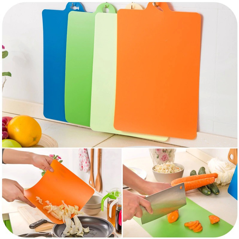 1 pcs Fruit Chopping Board Chopping Block Plastic Cutting Board Cutting Board Antibiotic Kitchen Utensils Random color delivery