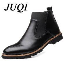 df439d119df7 JUQI Uomini Chelsea Stivali Slip-on Stivaletti Impermeabili Uomini Brogue  Stivali Moda In Pelle Microfibra scarpe Grande Formato.
