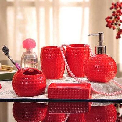 € 79.79  Porcelaine ensembles de salle de bains en céramique balle de golf  forme alvéolée grain conception blanc/rouge glaçure cinq pièces ...