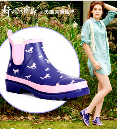 ФОТО British Style Tube Short Horse Women Ankle Rain Boots Girl Rainboots Arrival Mules Gumboots Waterproof Rubber Boots Women H5375