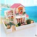 Новый бесплатная большие Diy дерева миниатюрный кукольный дом с Fumiture свет 3D ручной миниатюре модель деревянный кукольный домик подарок на день рождения игрушки
