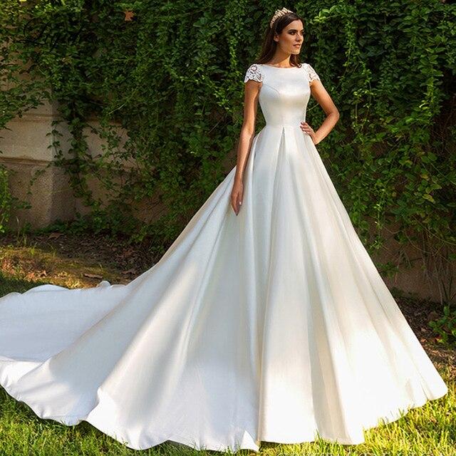 Liyuke robe de mariée en Satin brillant, ligne a, avec fermeture éclair sur le côté, avec traîne chapelle et manches courtes