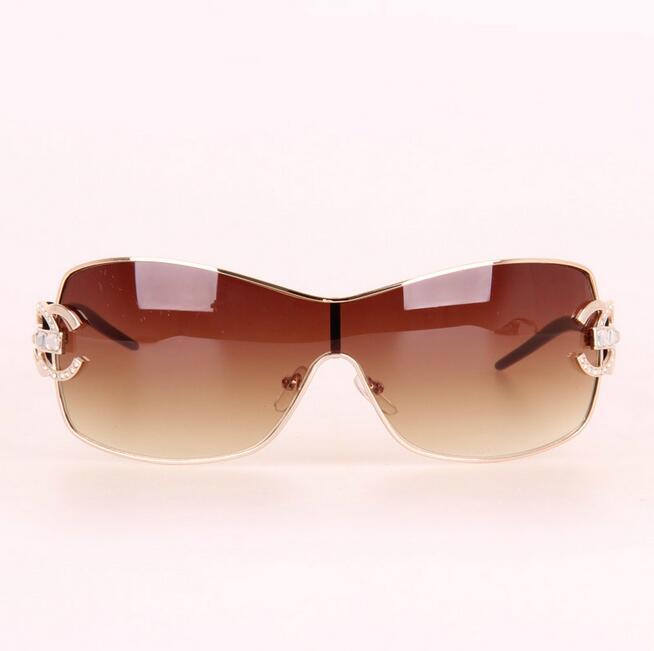 582ec6588ec3c 2017 Italy Oversized Sunglasses Women Brand Designer Diamond Big Frame Sun  Glasses For Womens Gold Retro Woman Sunnies Shades-in Sunglasses from  Apparel ...