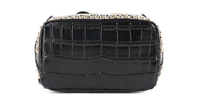 แท้ผู้หญิง rivet ขนาดใหญ่กระเป๋าเป้สะพายหลัง-ใน กระเป๋าเป้ จาก สัมภาระและกระเป๋า บน   3